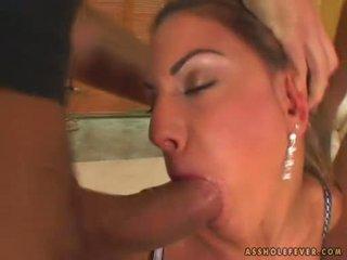 Sex bombshell sarah james takes 2 cocks i og ut henne munn alternately