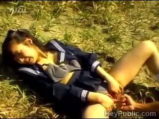 Perv takes eelis kohta lonely jaapani koolitüdruk