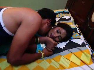 Indisch huisvrouw romantiek met newly getrouwd bachelor - midnight masala speelfilmen -