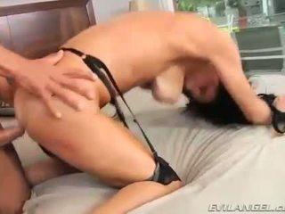 Sexy MILF Veronica Avluv Gets Her Pussy Banged