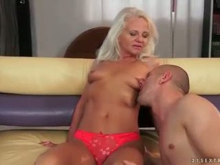 Young man anal fucking his old girlfriend