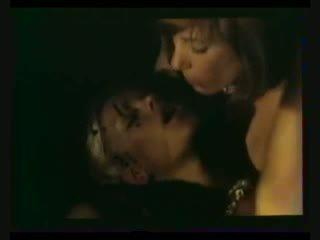 Brigitte Lahaie Anna cuisses entrouvertes (1979) sc2