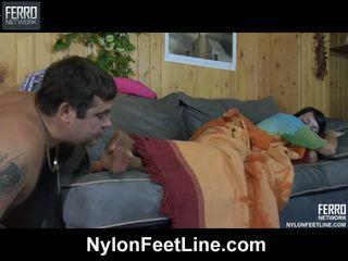 কামাসক্ত guy awaking একটি sleepy তরুণী