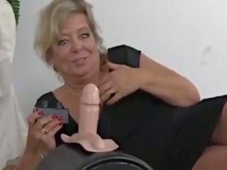 חזה גדול בלונדינית gilf מכונת סקס כיף, חופשי חזה גדול gilf פורנו וידאו aa