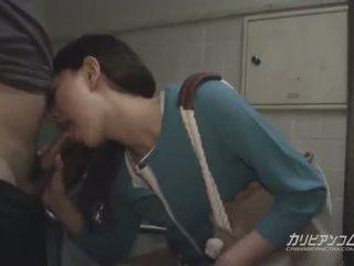亞洲人 媽媽我喜歡操 口交 在 公 restroom