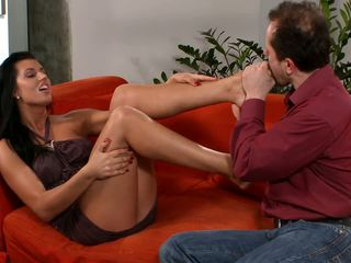 Dark Haired Babe Uses Her Tongue Hands and Toes to Make