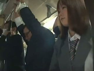 Schulmädchen gezwungen blowjob im bus