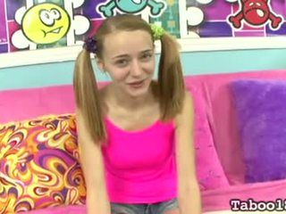 Adolescente - ava hardy