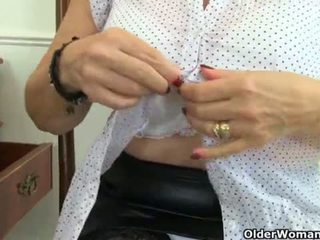 """English granny Savana is fingering her old pussy <span class=""""duration"""">- 12 min</span>"""