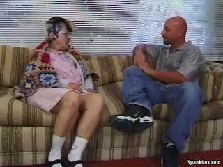 할머니 gets reamed 로 젊은 사람