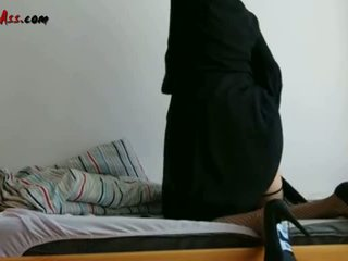 Niqab Anal Solo On Sofa