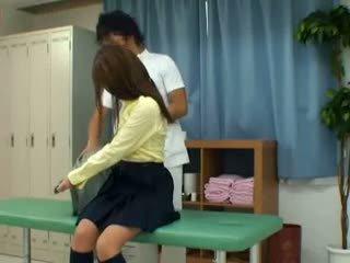 Diáklány becsapva által schooldoctor