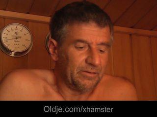 ボインの 若い cutie フェラチオ 69 セックス 古い 男 フェイシャル で ザ·