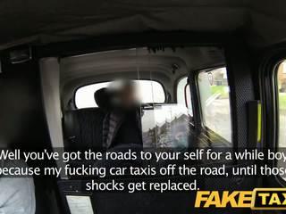 Faketaxi inglese taxi gangbang