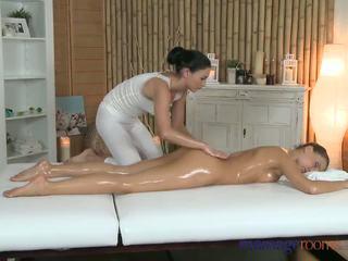 Massagem rooms bonita perfeita bodied lésbicas has fundo finger g-spot orgasms