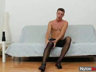Homosexual guy teasing lui pula în panty-hose