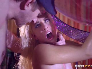 Brazzers - seksowne stripper jessie volt miłość ogromny kutas.
