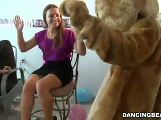 Strippers la bachelorette petrecere obține bj
