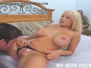 看 您的 妻子 starring 在 一 性交 色情