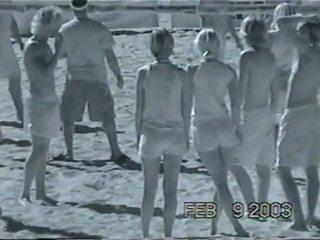 Volley 소녀 infra 빨강 xray 참조 통해 1 의 3