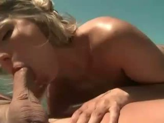 Joanne dolce gets anale scopata su barca