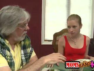 Stepmom Kristal Summers loves threesome