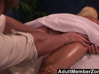 Adultmemberzone - Hot Babe Emma Mae Receives a very Nice