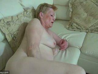 Oldnanny καυλωμένος/η γριά γιαγιά με χαριτωμένο κορίτσι masturbate μαζί