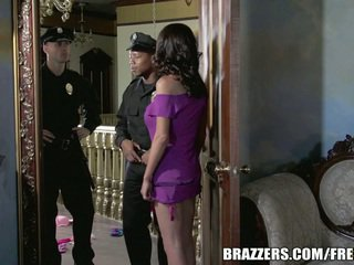 Miss mckenzie wants till fan en cop. hon gets henne önskar