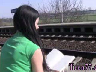 Fata baiat adolescenta sex în public photo masturband-se la the tren