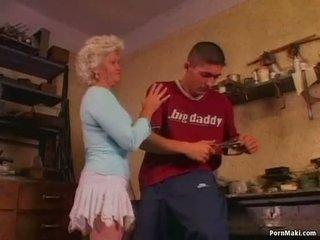 Горещ баба effie loves анално