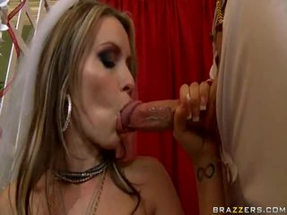 XXX Babe Zora Banks Seduces The The Lucky Jaintor