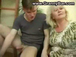 pussyfucking, büyükanne, oral seks