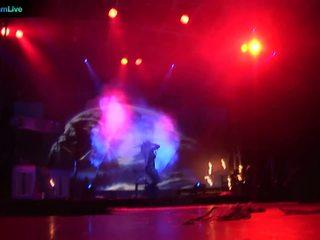 Sân khấu performer dorothy đen going tia ngọn và chơi