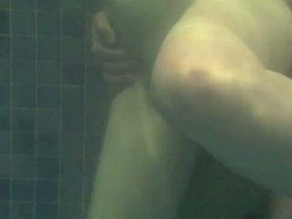 Underwater kurang ajar - transando na piscina