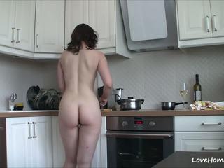 Getting nuda in il cucina marche suo felice: gratis porno b2