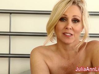 Mdtq julia ann teases ju me të brendëshme & helps ju spermë