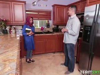 Krūtinga arab paauglys gets a karštas sperma filling