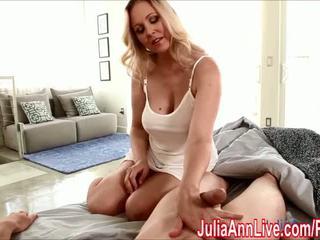 Seksikäs milf julia ann gives runkkaus kohteeseen wake häntä ylös! - porno video- 551