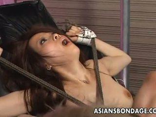 ชาวเอเชีย ผ้าพันแผล: tied ขึ้น เอเชีย penetrated ด้วย ร่วมเพศ เครื่องจักร