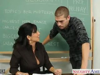 Chesty brünett õpetaja tara holiday keppimine