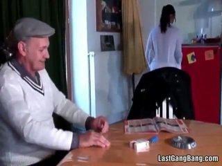 Eldre fransk sult tries tenåring fitte