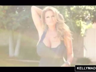 Kelly madison poolside to tự nhiên tits <span class=duration>- 15 min</span>