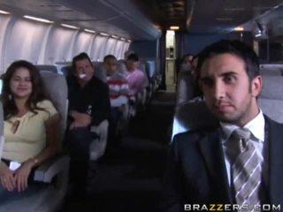 ホット 女の子 having セックス で a airplane xxx