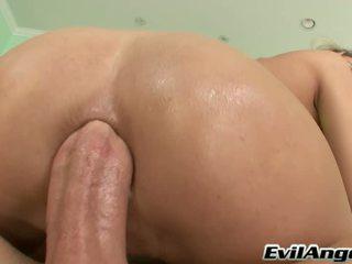 Sensuous seks porno zvezda serves slavni mike adriano