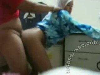 Malaziýaly jilbab sikiş video3-asw452