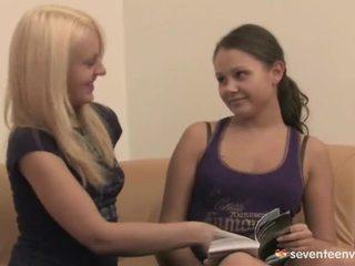 Loving lesbietiškas teenages