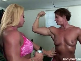 Bodybuilders মধ্যে heat: স্বাস্থ্য বানানো পর্ণ সঙ্গে গরম ঝোপ