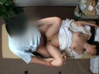 Mosaic; reluctant žena seduced s masseur