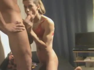 เซ็กส์สามคน การกระทำ ด้วย a โฮมเมด crossdresser